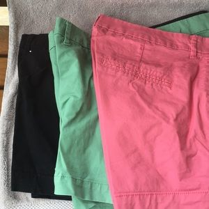 3 pair Old Navy shorts,so 10, 31/2 in inseam